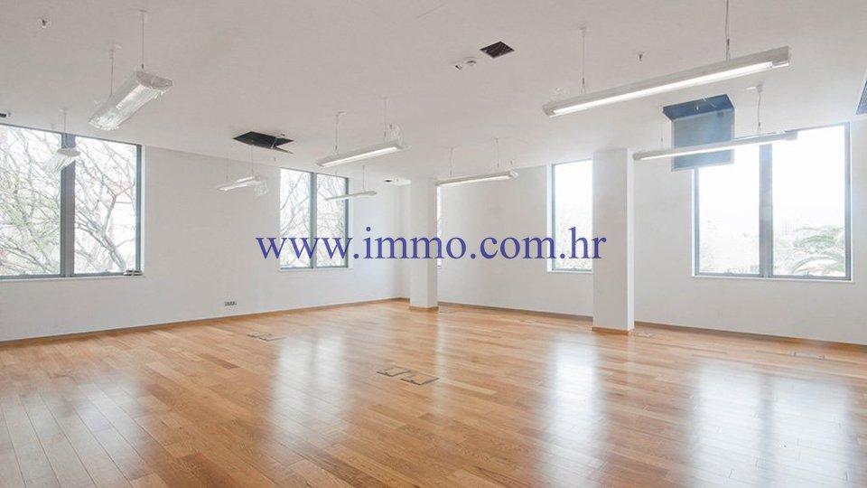 Pisarne, 47 m2, Najem, Split - Trstenik