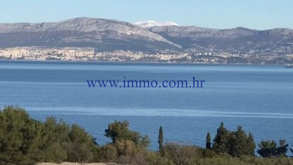BRAČ, AGRICULTURAL LAND FOR SALE