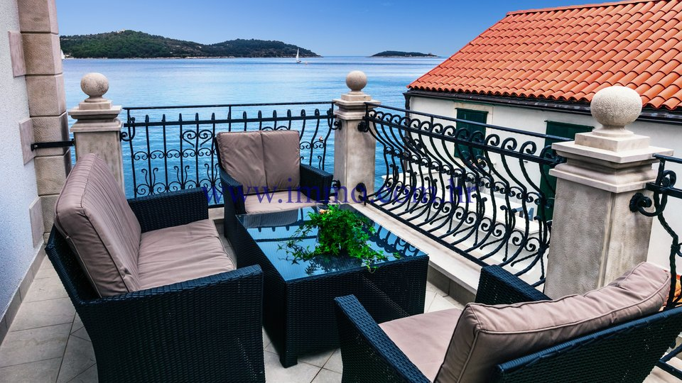LUXURY STONE VILLA ON THE ISLAND OF VIS, ON THE SEAFRONT