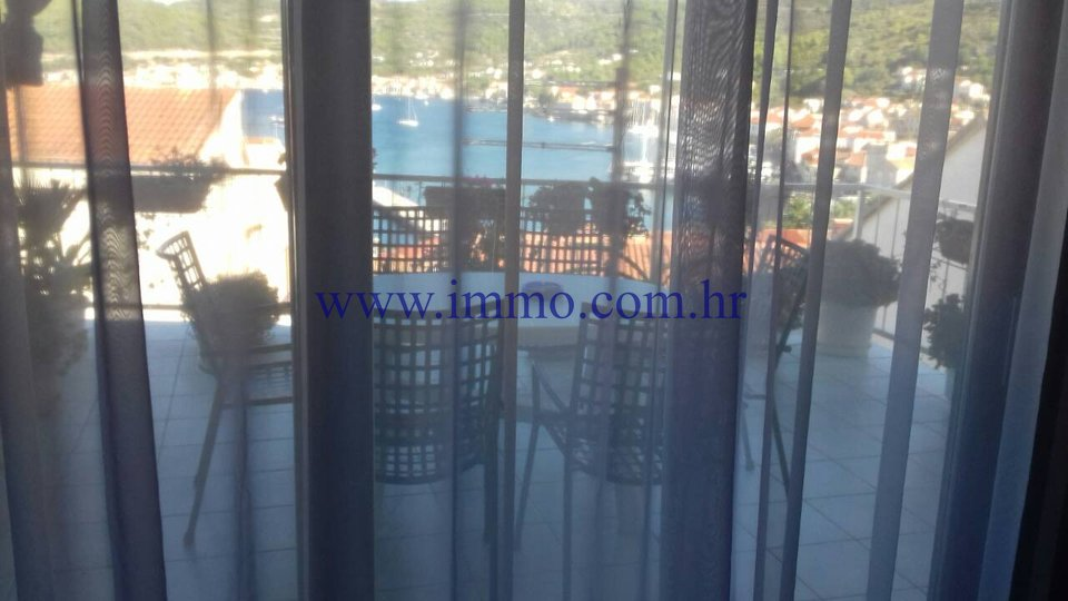 VIS, MAISONETTE APARTMENT WITH GORGEOUS SEA VIEW