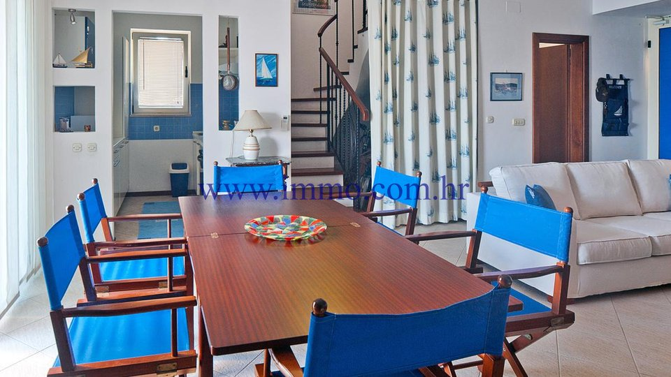 Casa, 192 m2, Vendita, Supetar