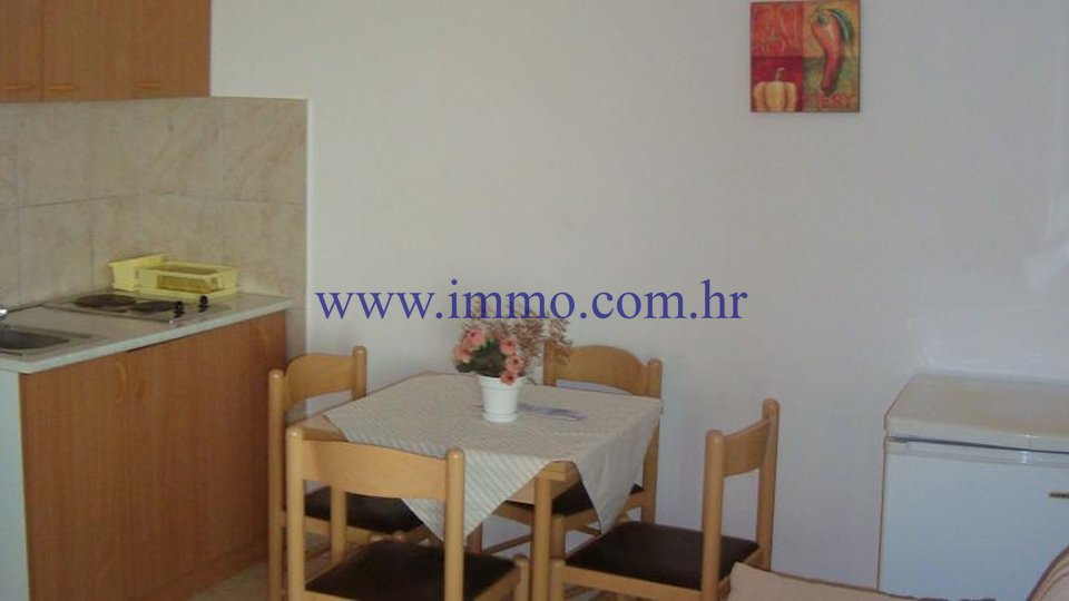 ŠIBENIK AREA, 6 APARTMENTS, BAR, RESTAURANT, TENNIS, 20 M FROM THE SEA