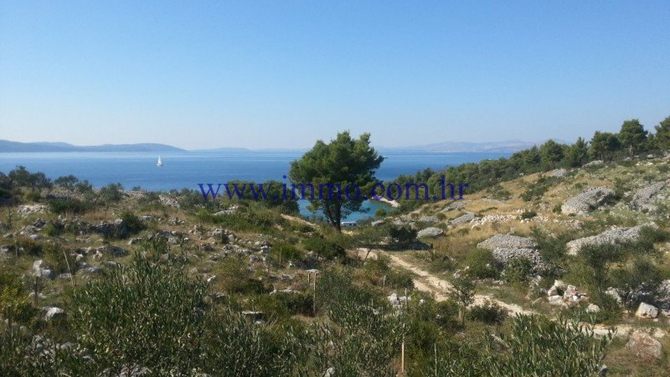 BRAČ, LAND WITH GORGEOUS SEA VIEWS FOR SALE