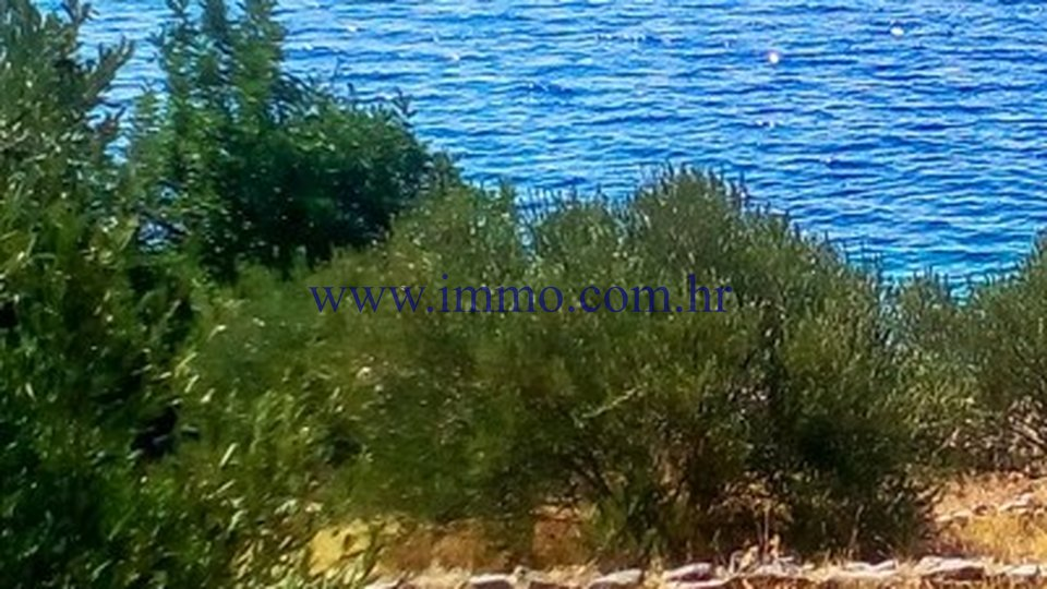 BRAČ, BUILDING PLOT FOR SALE