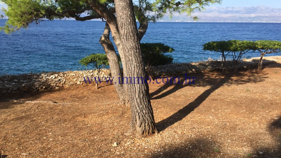 SUPETAR, SEAFRONT BUILDING PLOT FOR SALE