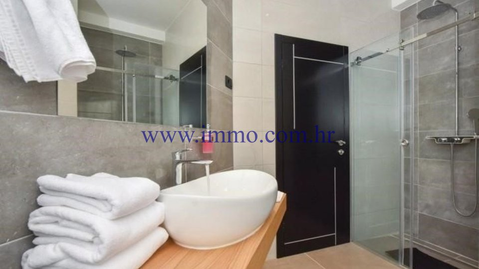 Casa, 330 m2, Vendita, Trogir - Trogir
