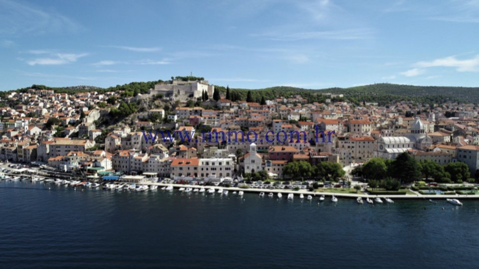 SEAFRONT APARTMENT IN THE CENTER OF ŠIBENIK FOR SALE