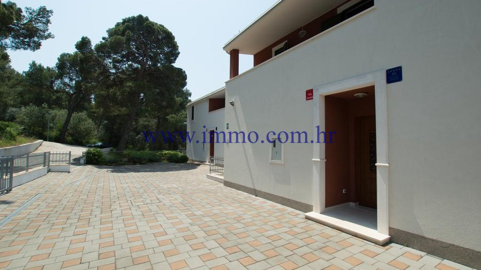 ROGOZNICA, NEWLY BUILT VILLA WITH SWIMMING POOL AND SEA VIEW