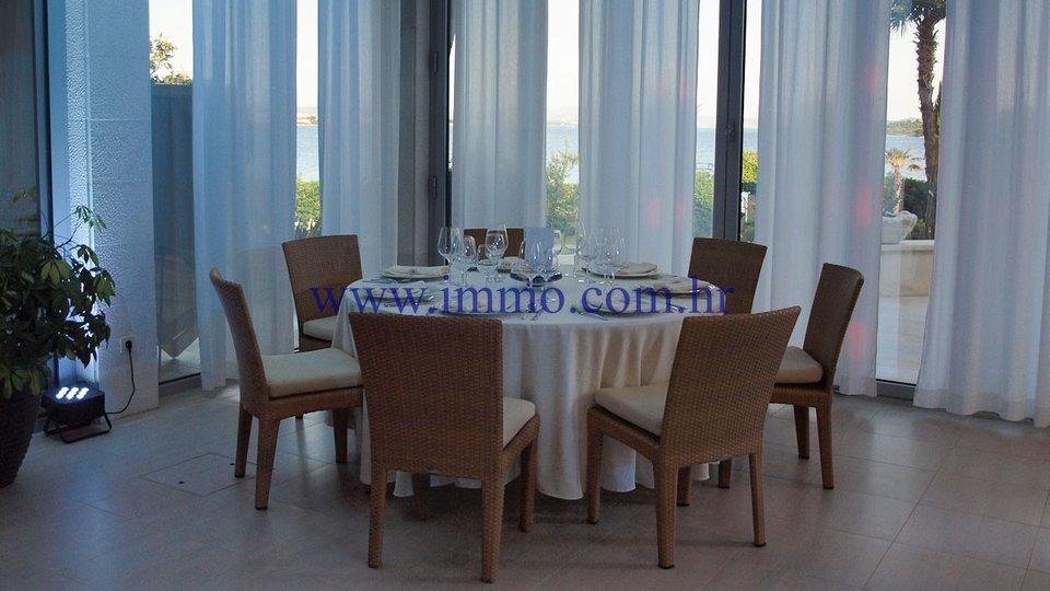 Hotel, 2079 m2, Prodaja, Šibenik