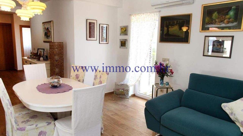 Casa, 400 m2, Vendita, Rogoznica