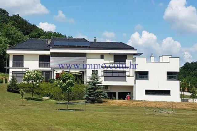TUHELJ, RESIDENTIAL-BUSINESS BUILDING ON 60 000 SQ.M. ESTATE, GREAT OPPORTUNITY!