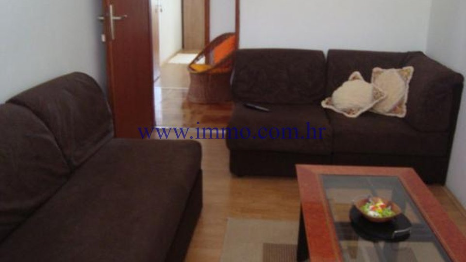 HOUSE WITH SWIMMING POOL, NEAR ROGOZNICA