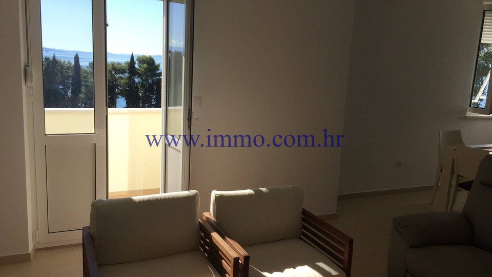 SPLIT, PENTHOUSE APARTMENT WITH TERRACE OF 80 SQ.M. AND GORGEOUS SEA VIEW