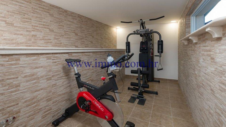Hiša, 100 m2, Prodaja, Bol