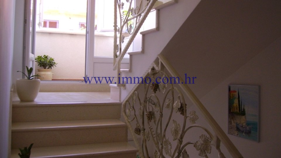 Casa, 330 m2, Vendita, Orebić