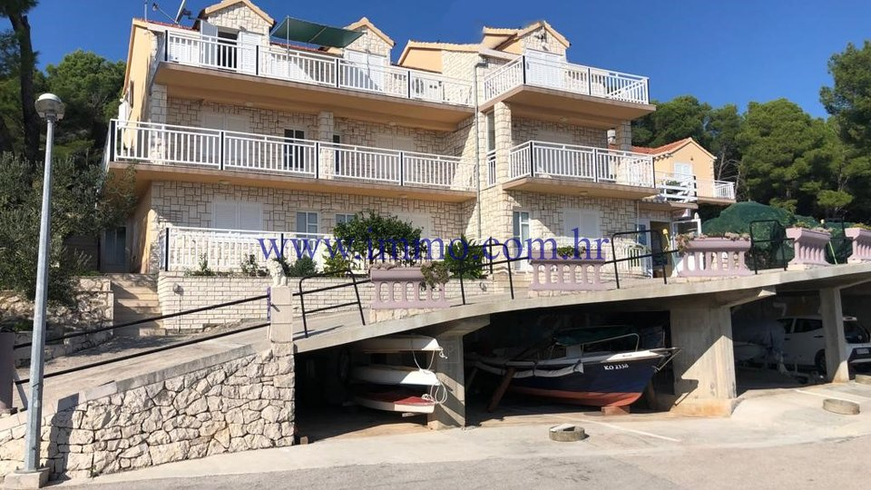 KORČULA, TWO HOUSE WITH APARTMENTS AND RESTAURANT, FOR TOURISM