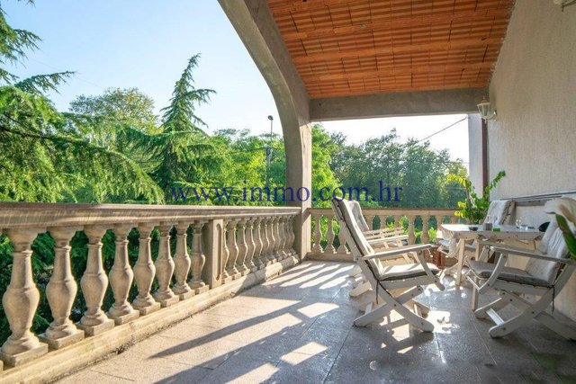 RESIDENTIAL AND COMMERCIAL BUILDING NEAR OPATIJA FOR SALE