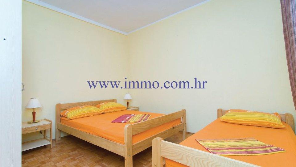 Hiša, 217 m2, Prodaja, Rogoznica