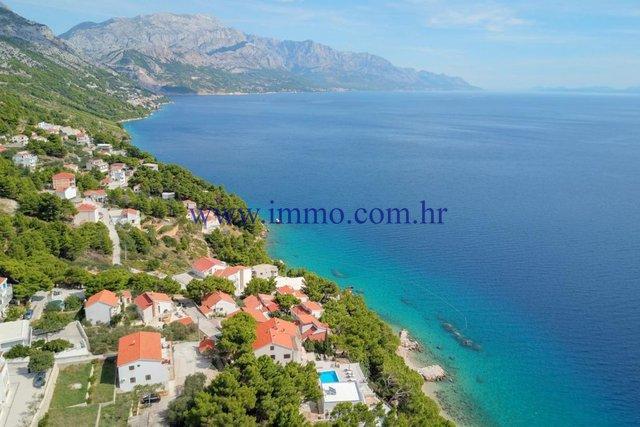 BUILDING LAND WITH SEA VIEW NEAR OMIS