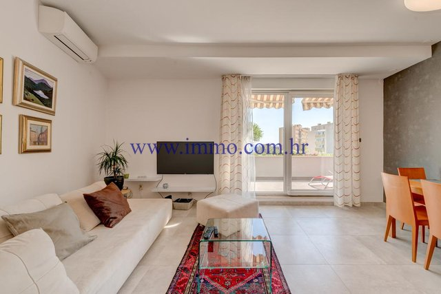 APARTMENT FOR RENT IN SPLIT, SOUTH ORIENTATION, LONG TERM