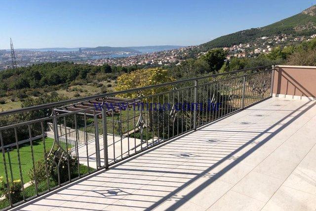 Hiša, 335 m2, Prodaja, Split