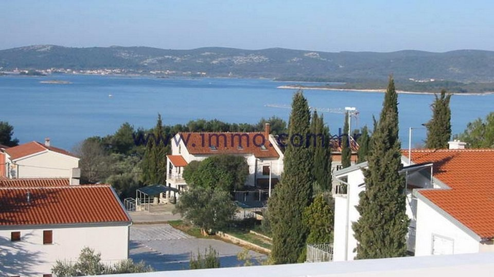 ZADAR AREA, HOUSE WITH 10 APARTMENTS AND GORGEOUS SEA VIEWS