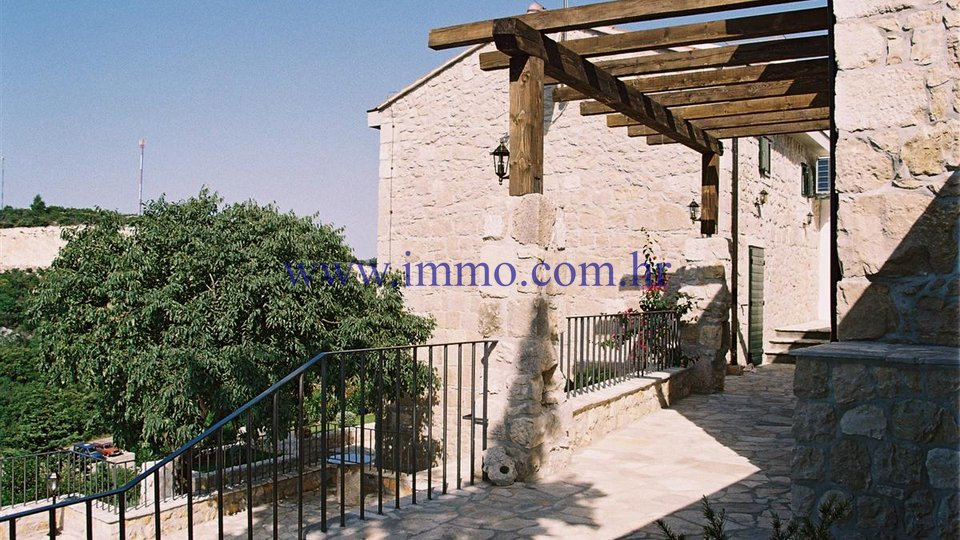 TWO RENOVATED STONE HOUSES WITH SWIMMING POOL, NEAR DUBROVNIK