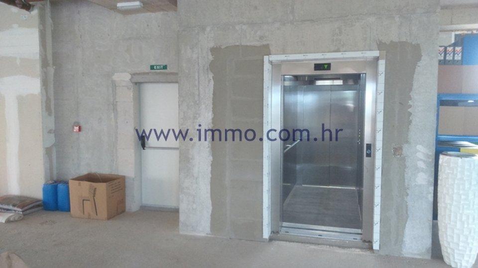 Uffici, 600 m2, Affitto, Dugopolje