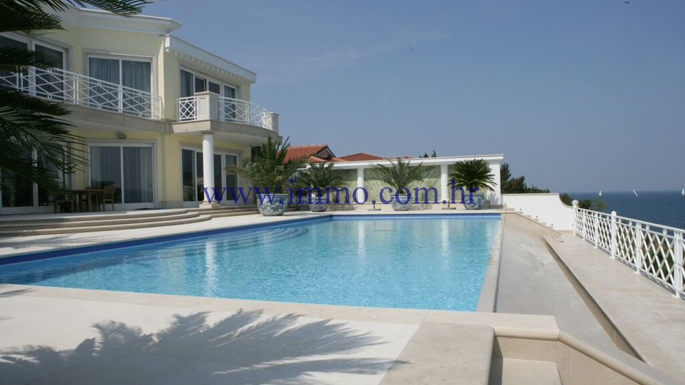 ISTRIA, IMPRESSIVE VILLA WITH SWIMMING POOL