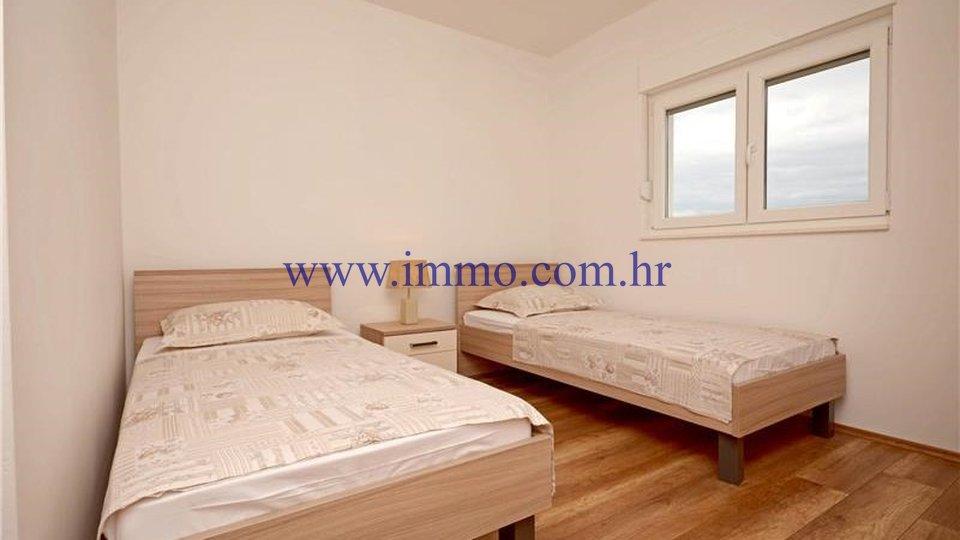 Hiša, 221 m2, Prodaja, Šolta