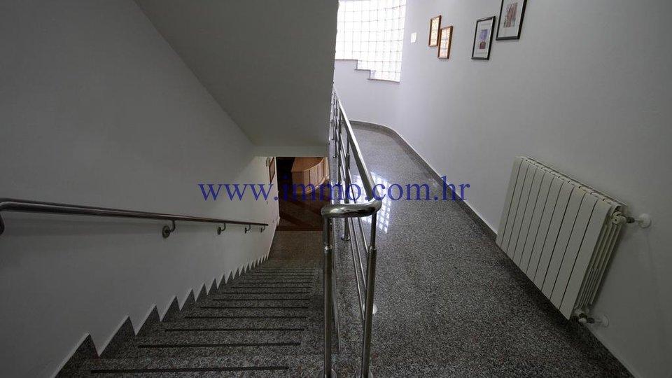Albergo, 1634 m2, Vendita, Marčana