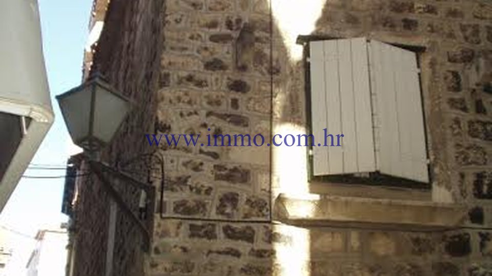 TROGIR, RENOVATED STONE HOUSE