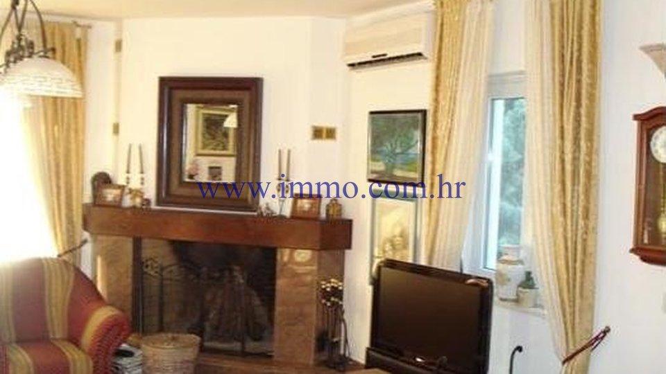Hiša, 400 m2, Prodaja, Šolta - Nečujam