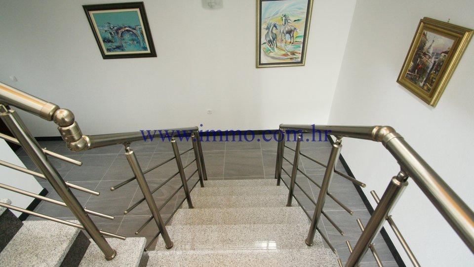 Hiša, 367 m2, Prodaja, Korčula