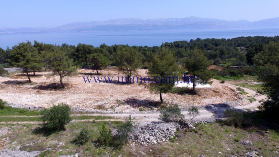 BRAČ, BUILDING LAND WITH THE PROJECT FOR THE CONSTRUCTION OF 5 HOUSES