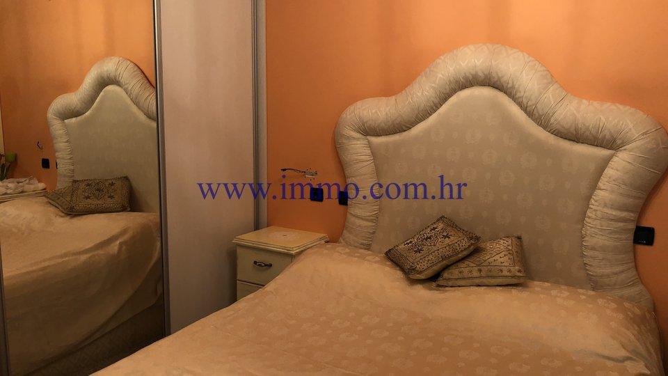 Hiša, 400 m2, Prodaja, Trogir - Čiovo